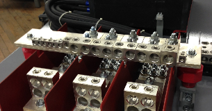Custom bus bar for dual 800A circuit breakers